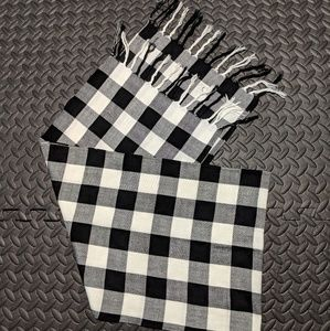 Other - Black and White Checkered Scarf